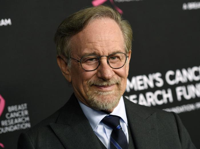 """Filmmaker Steven Spielberg poses at the 2019 """"An Unforgettable Evening"""" benefiting the Women's Cancer Research Fund in Beverly Hills, Calif. on Feb. 28, 2019"""